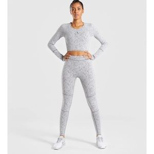 LARGE/MEDIUM GYMSHARK FLEUR SET